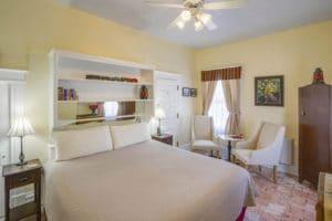 Bed in Hazeldine Room at Bottger Mansion